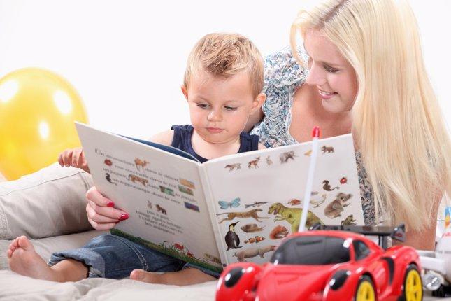 Contar cuentos a los niños
