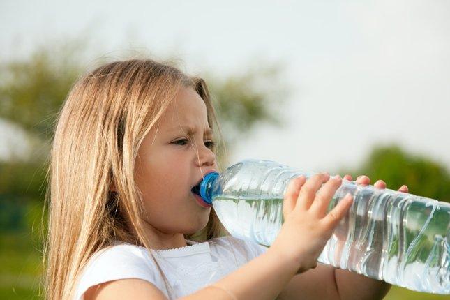 Agua, cantidad recomendada para los niños
