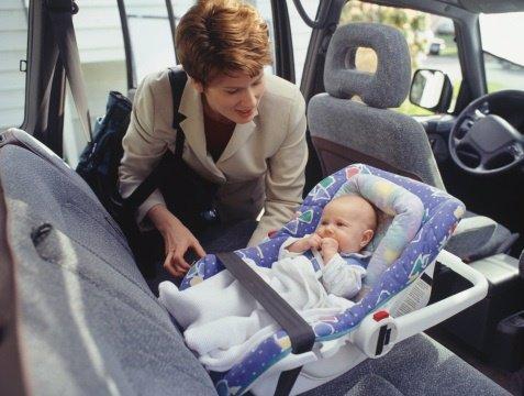 Con el bebé en el coche
