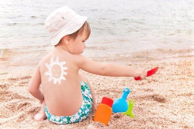 Cómo proteger la piel de los niños del sol