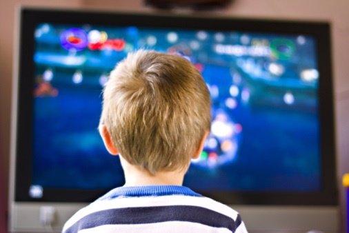 Cómo enseñar a ver la televisión a los niños