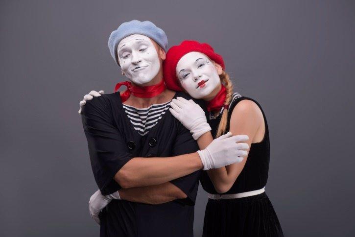 Teatro, adolescentes, mimos