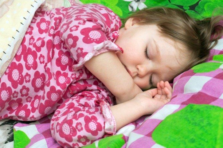 Dormir siesta, sueño niños
