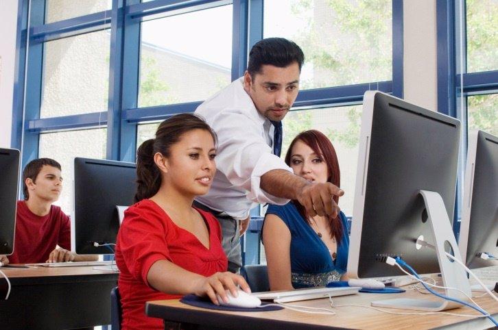 La Formación Profesional tendrá espacio en la semana de la educación, ordenador