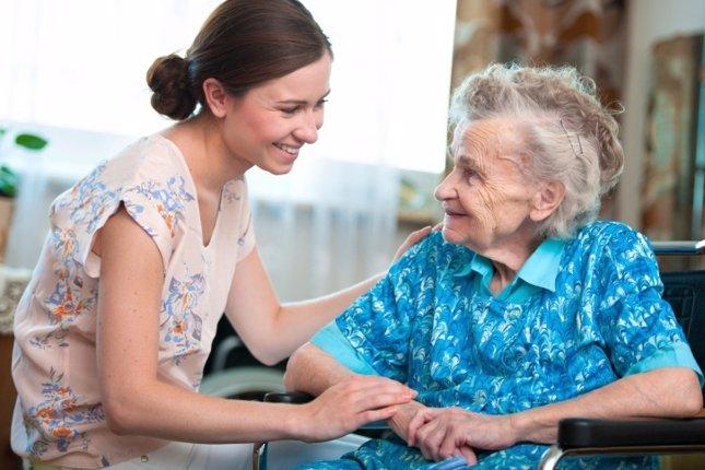 Apoyo a una persona mayor