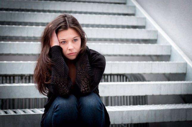 Adolescente violencia protegida, triste