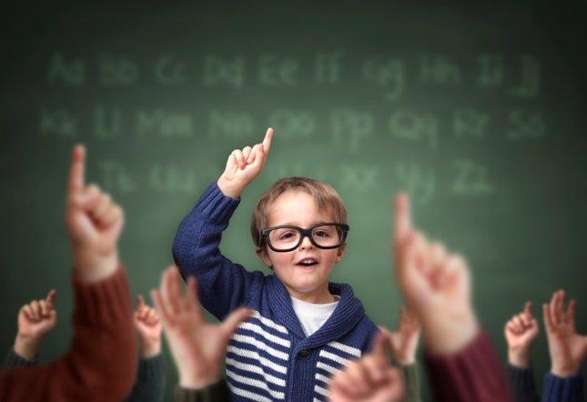 Mejor colegio, sistema educativo, niño en clase
