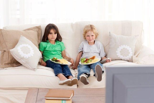 Televisión mientras se come