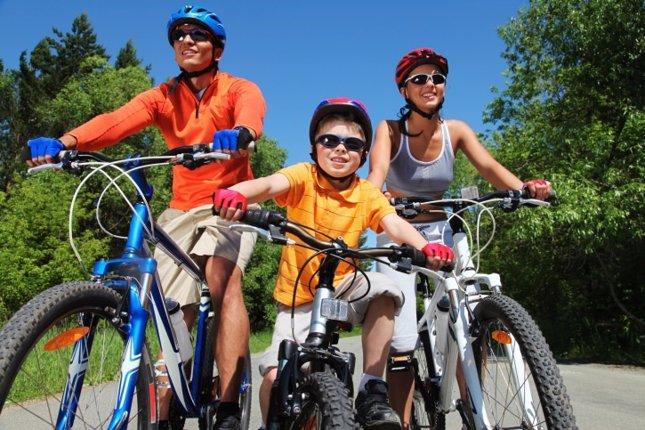 Ciclismo en familia: hacer bicicleta con niños