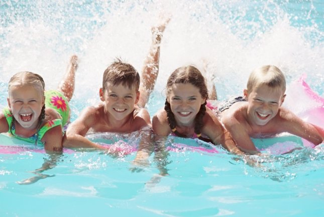 juegos dentro de una piscina