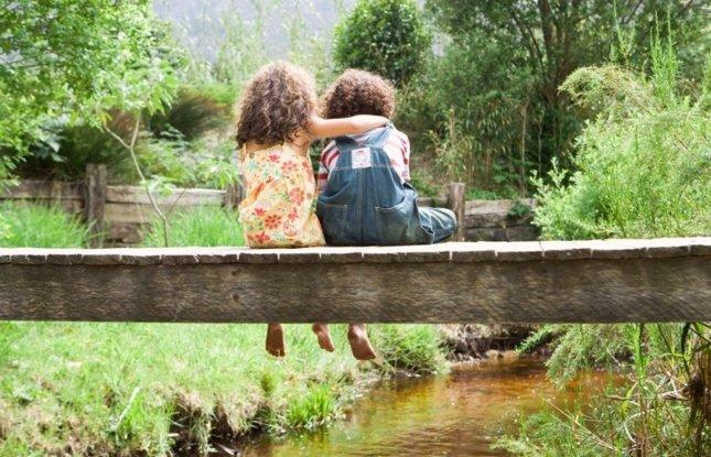 Niñas amabiliadd, amigas, amistad, campo, naturaleza