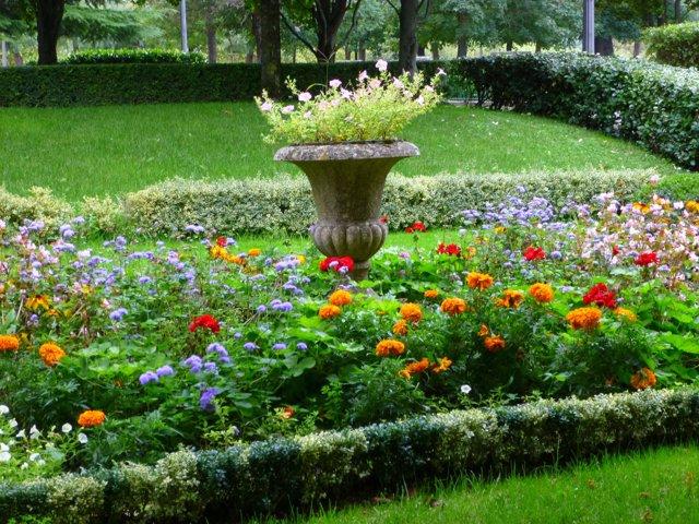 Ideas para disfrutar de pamplona con ni os for Jardines de la taconera