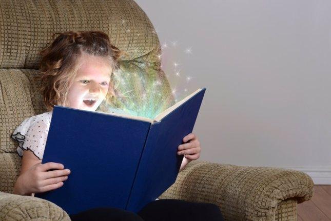 Literatura infantil, niña lee