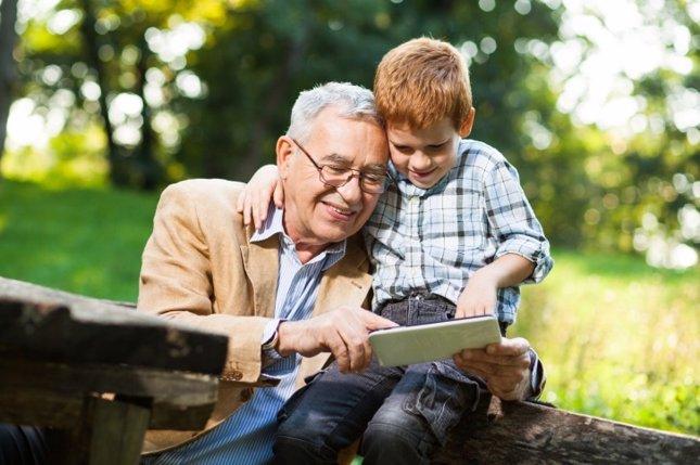Abuelos, claves en la unidad familiar