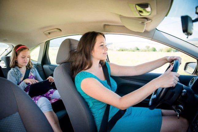 El 68% es mejor conductor cuando viaja con niños