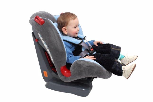 Normas para llevar a los niños en el coche