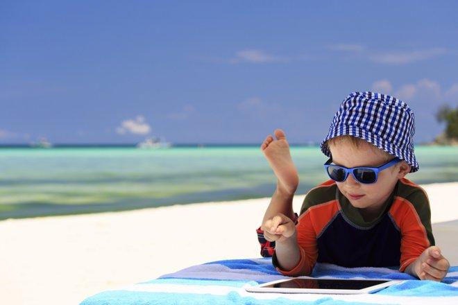 En vacaciones, ¿barra libre de pantallas?