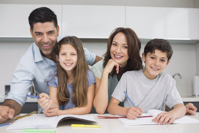 Aprende a ayudar a tu hijo para que saque estupendas calificaciones este curso