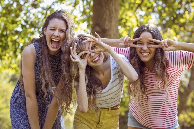 La amistad es crucial en el desarrollo de la personalidad en adolescentes