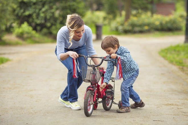 Enseñar A Los Chicos A Andar En Bici: Aprender A Montar En Bicicleta: 5 Pasos Para Enseñar A