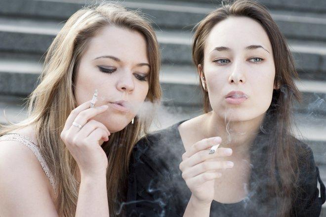 El tabaco es un elemento con el que muchos jóvenes controlan su peso