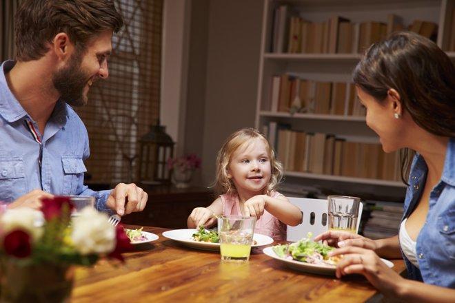 Una cena adecuada ayuda a que los niños puedan conciliar el sueño