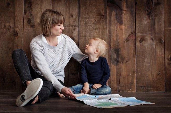 Enseñar a escuchar es uno de las valores que todo padre debe enseñar a su hijo