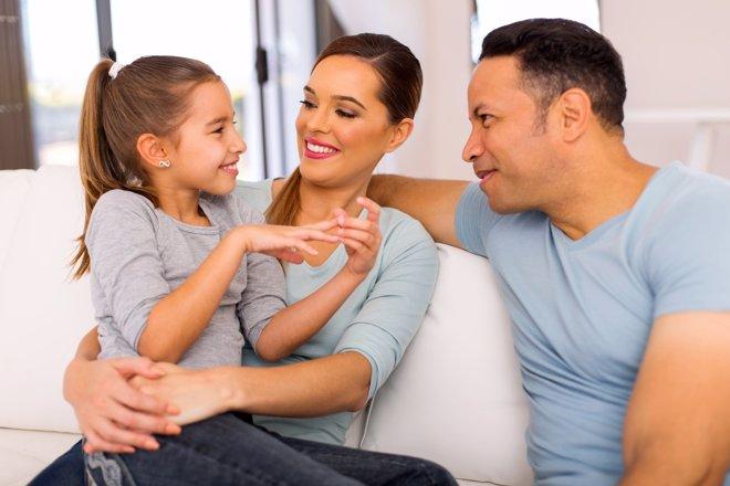 Elogiar con moderación ayudará a que los hijos no se vuelvan adictos