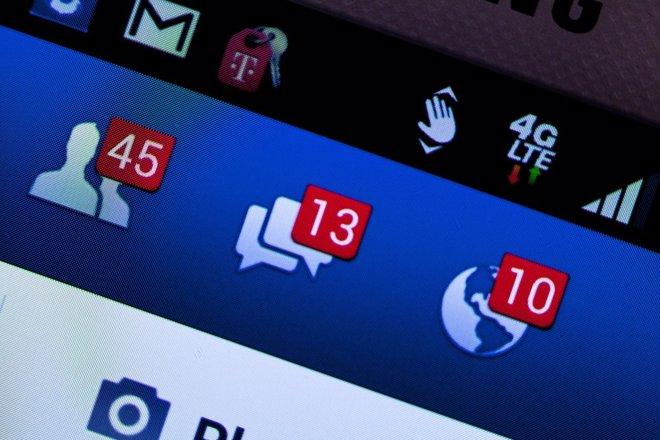 Crear un perfil en redes sociales es demasiado fácil para los menores