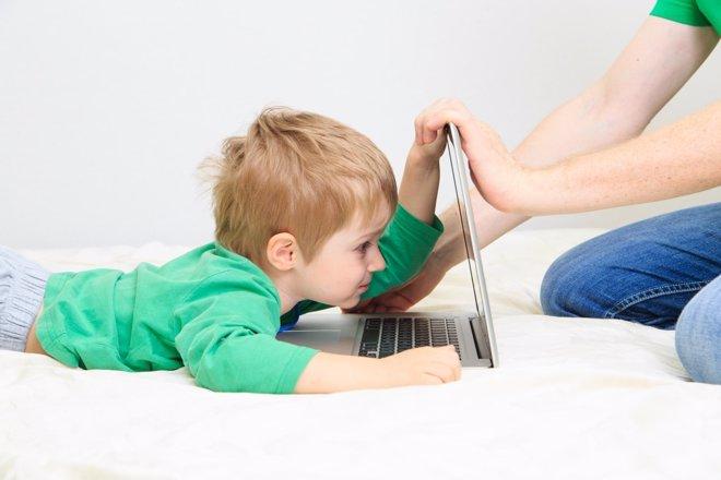 Los niños y el universo virtual