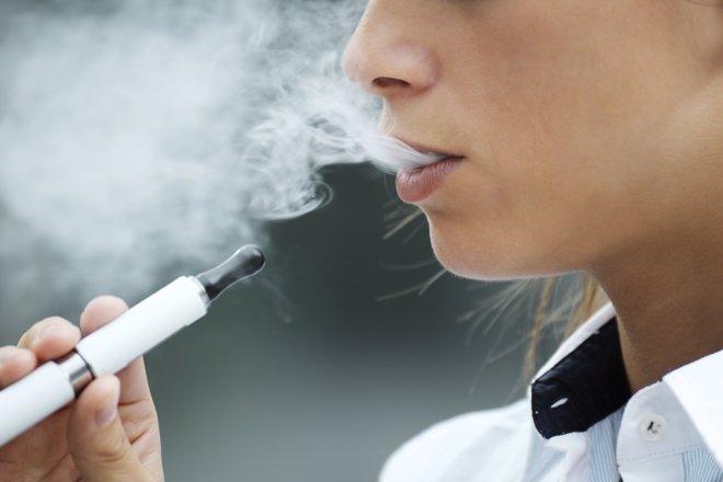 Cigarrillos electrónicos, un peligroso producto para jóvenes