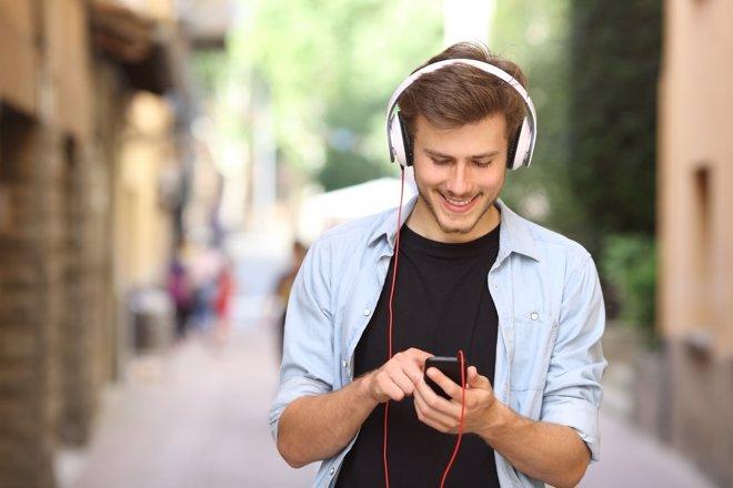 El dolor de espalda y su relación con el uso del smartphone