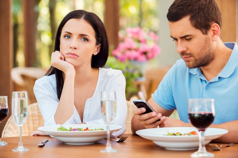 Stubborn to Get a Spouse in Online Dating? Move This Way