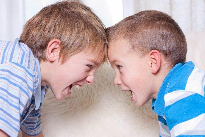 Hermanos, amigos y rivales