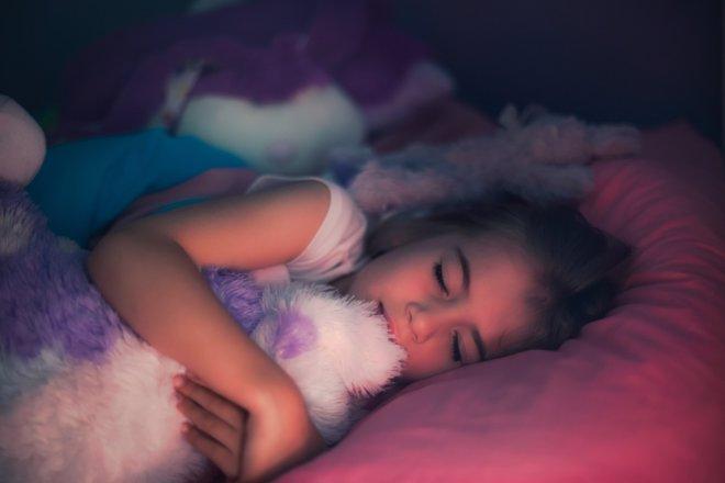Pasar tiempo al aire libre ayuda a conciliar mejor el sueño