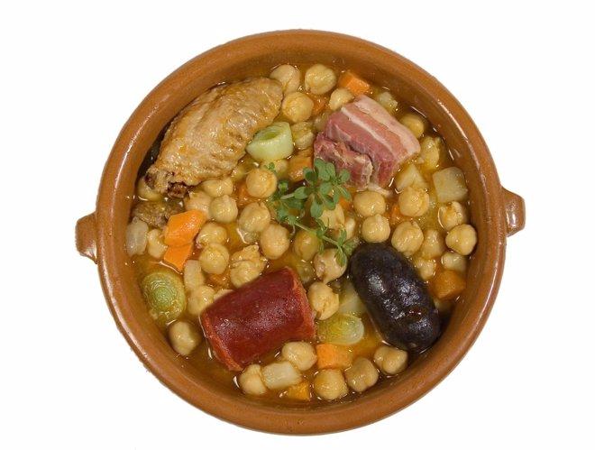Los ingredientes que se echan a las legumbres son los que en realidad engordan