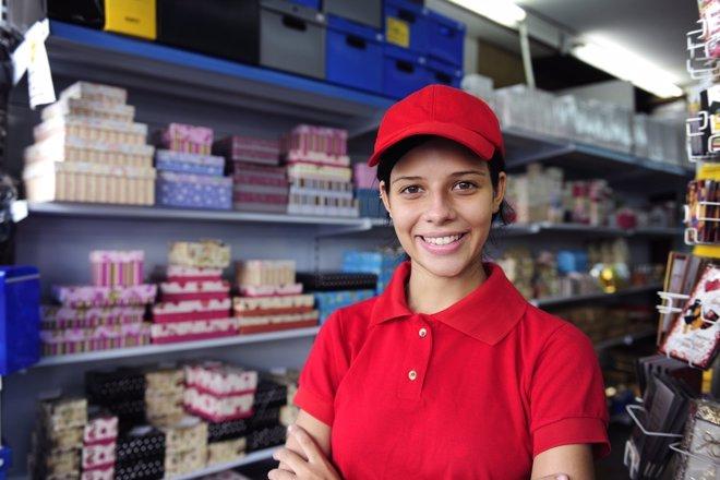 Muchos jóvenes tienen una formación superior a la del puesto en el que trabajan