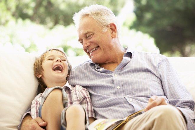 Se pide una ventaja fiscal para abuelos para ayudar a la conciliación