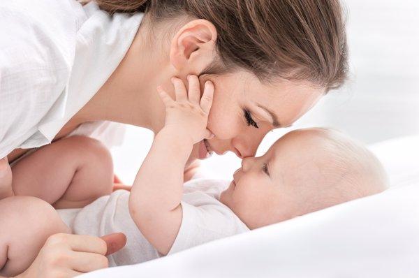 La mamá y sus pocas horas de sueño