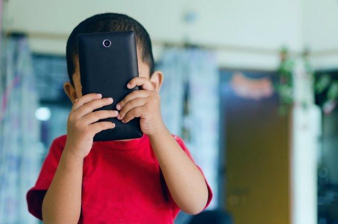 Los juegos para móviles entrañan un peligro en manos de los niños