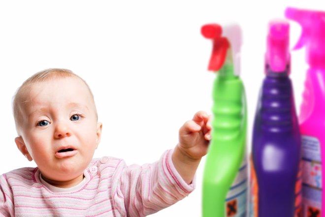 Cómo evitar las intoxicaciones en niños