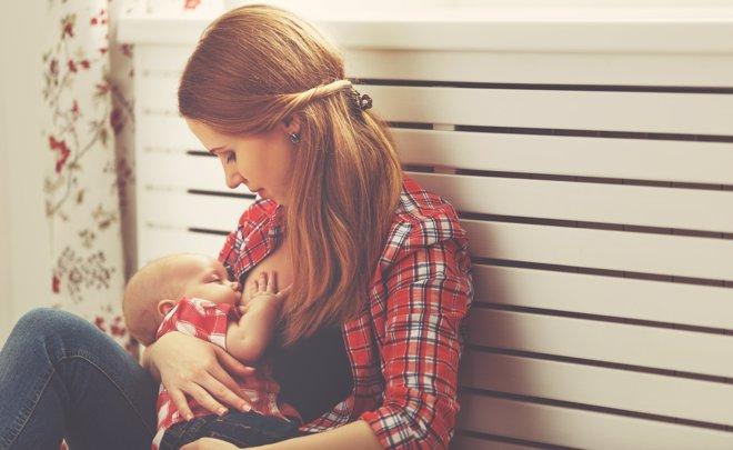 La lactancia materna ayuda al niño a prevenir varios tumores.