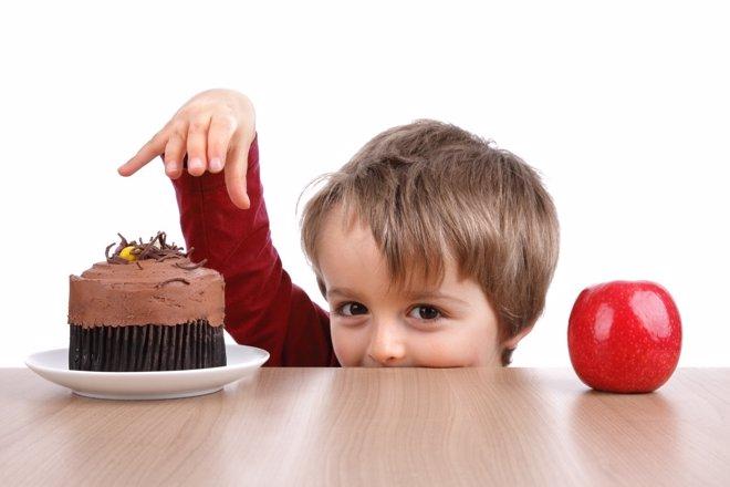 ¿Por Qué Algunos Niños Comen Más Cuando Están Nerviosos?