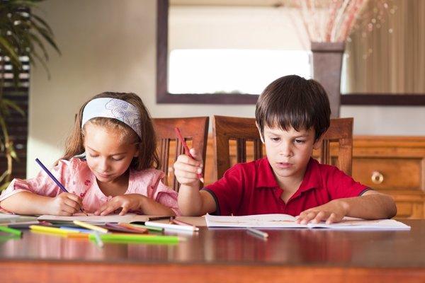 Vigilar lo que estudian los niños